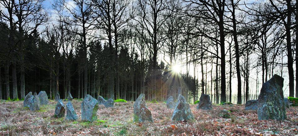 Mala stenar vid solnedgång