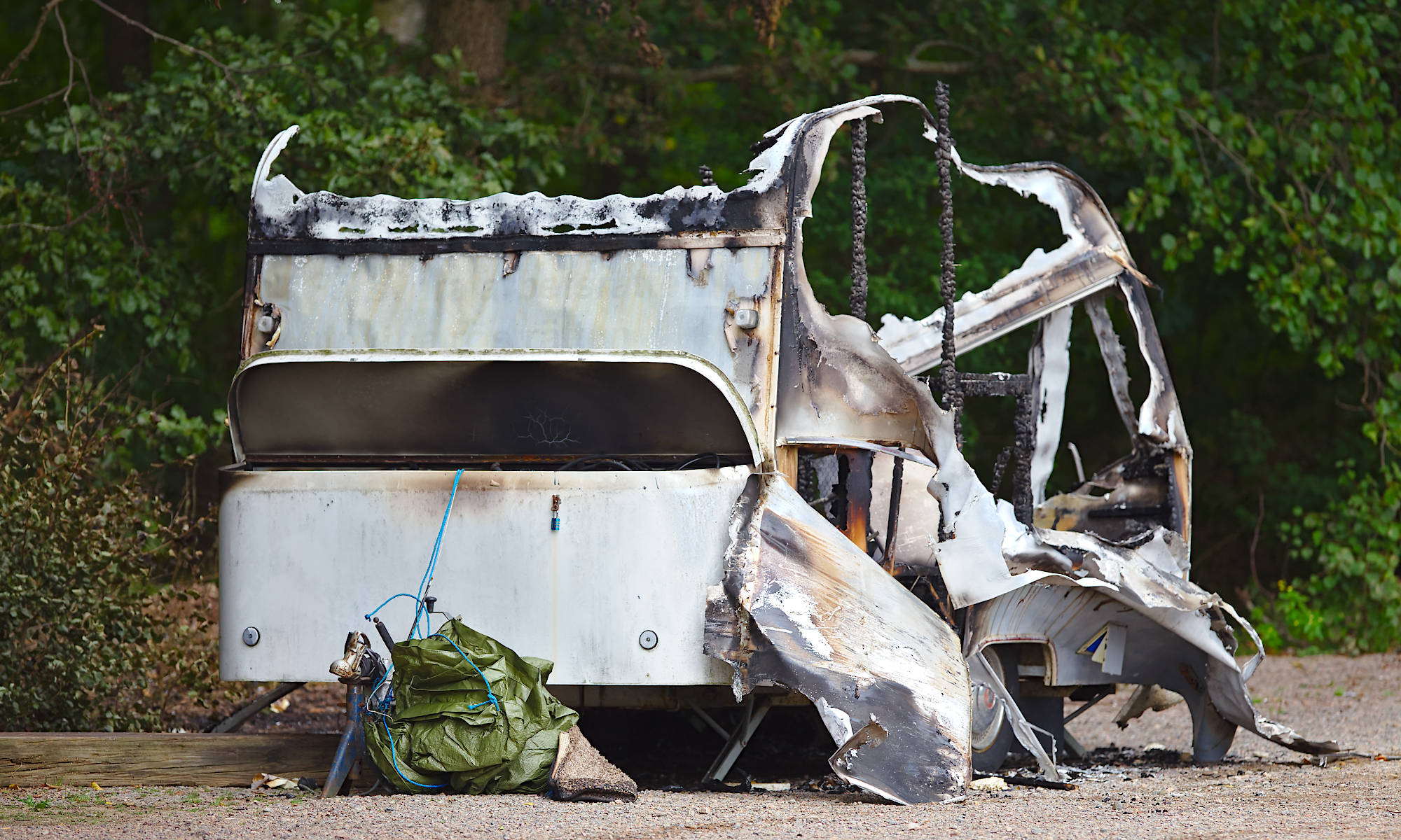 Förstörd husvagn