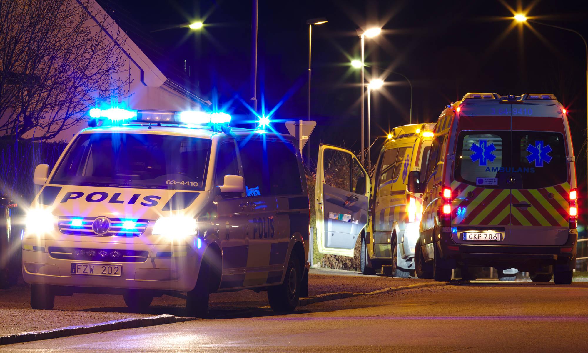 Polis och ambulanser en natt