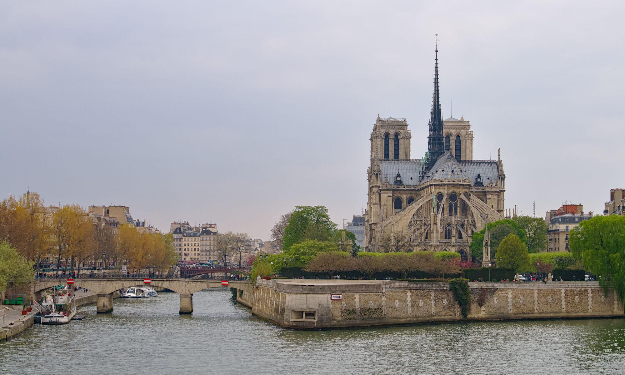 Notre Dame innan branden