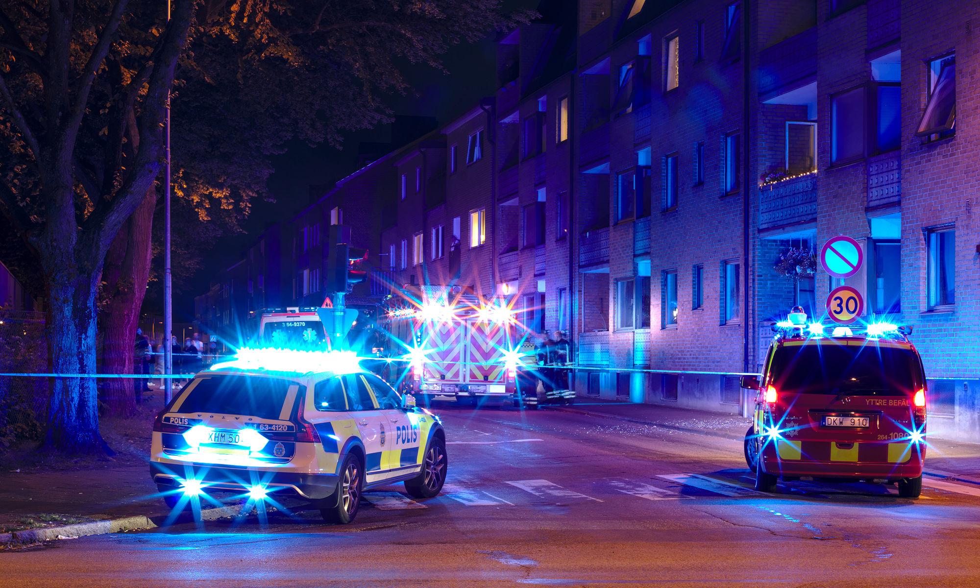 Räddningstjänst och polis efter sprängning i Ängelholm