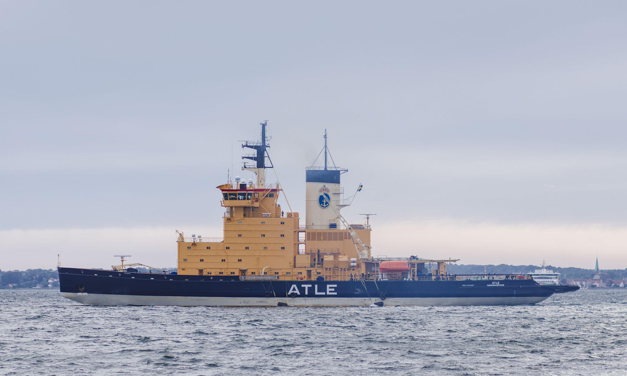 Isbrytaren Atle ute i Öresund