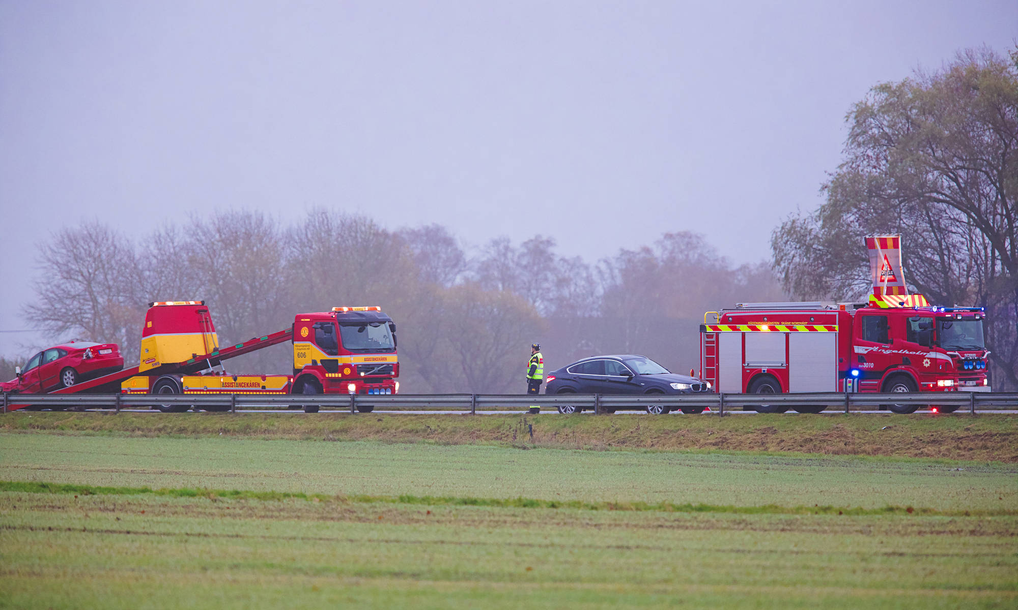 Trafikolycka med flera fordon på E6:an i höjd med Strahlavägen
